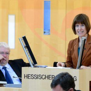 Heike Hofmann bei einer Plenarrede im Februar 2013