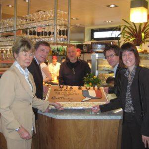 Bei der Eröffnung des Cafés der Backstube Schwind in Seeheim