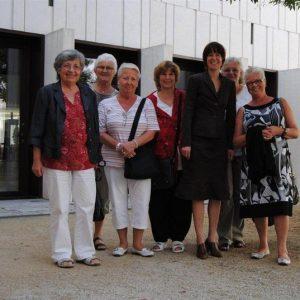 Im August 2011 mit Besucherinnen der AsF Griesheim vor dem Landtag