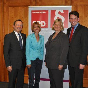 Heike Hofmann auf der Veranstaltung Opferschutz vor Täterschutz, von links: Dr. Holger Poppenhäger, Heike Hofmann, Prof. Dr. Ute Sacksofsky und Dr. Christoph Weltecke.