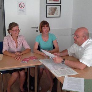Im Gespräch v.l.n.r.: Franziska Kliemt, Heike Hofmann und Edgar Franke