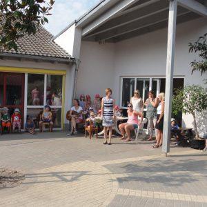 """Am 13. August 2015 habe ich Pixibücher an die KiTa """"Sonnenland"""" in Bickenbach übergeben. Kindgerecht sollen sie dazu beitragen, Kinder in ihrem Selbstbewusstsein zu stärken."""